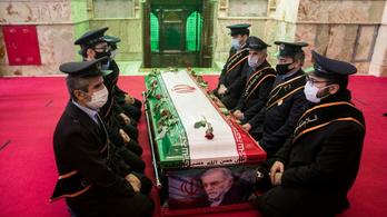 Eltemették és mártírrá avatták Mohszen Farizadét