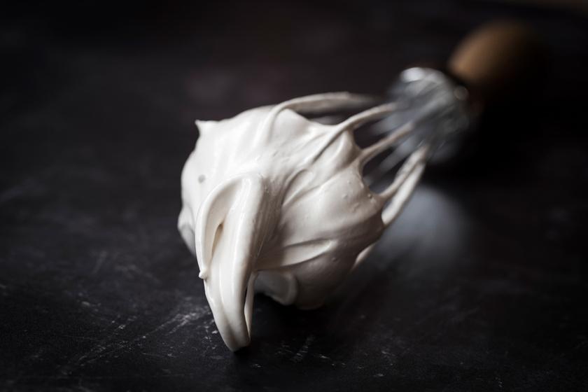 Hogyan készül a tökéletes tojáshab? Így lesz fényes és csúcsos