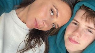 Victoria Beckham vicces videót posztolt arról, hogyan énekel a legkisebb fia