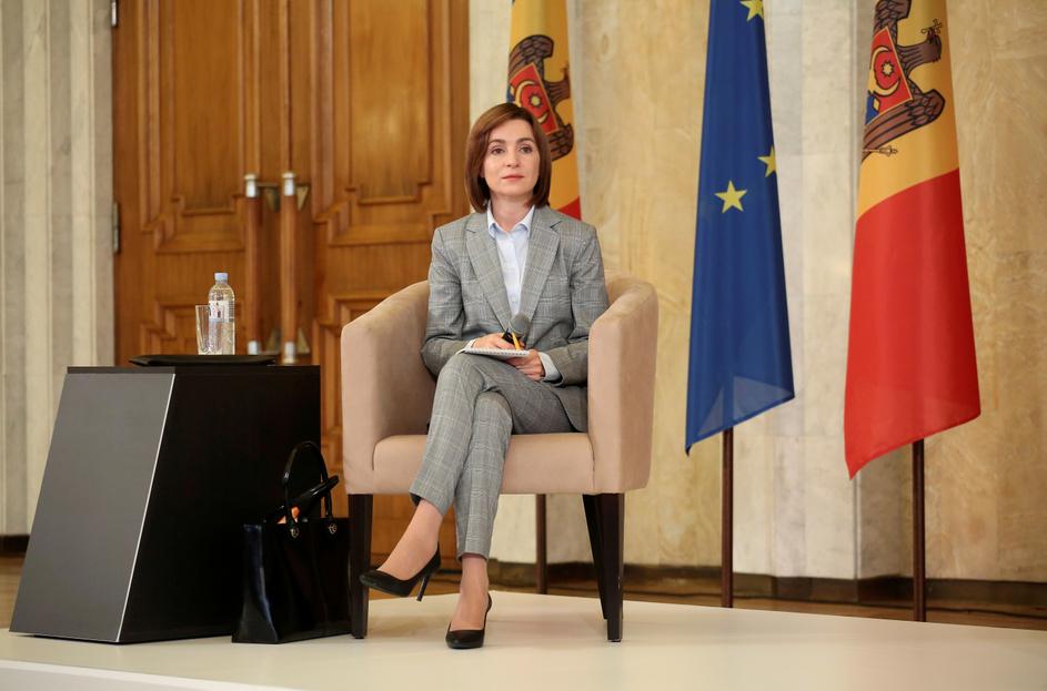 A moldáv elnök tüzet gyújtott Európa új puskaporos hordójánál