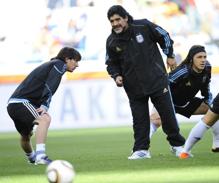 Lionel Messi és Diego Maradona (2010)