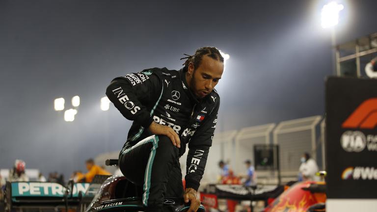 Lewis Hamilton elkapta a koronavírust