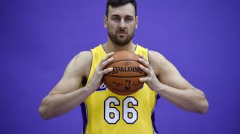 Visszavonul az NBA-bajnok ausztrál center
