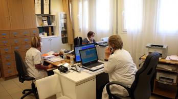 Késő estig rendelnek a szolnoki orvosok a járvány miatt