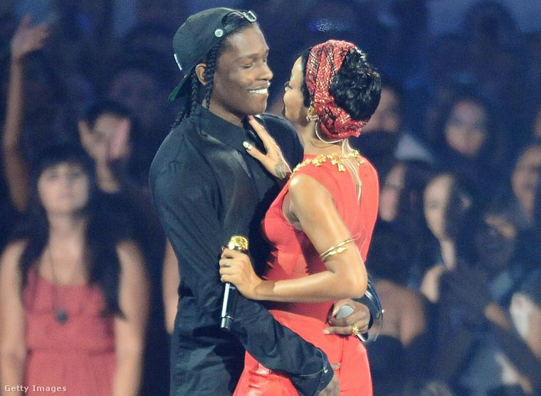Rihanna és A$AP Rocky a 2012-es VMA gálán. Kattintson a képre a fotó teljes verziójáért!
