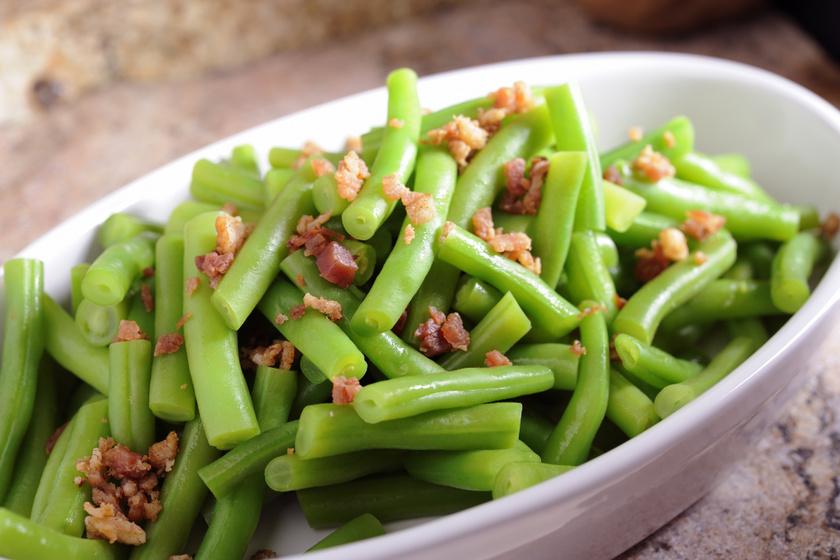 Tepsiben sült, fűszeres zöldbab: fenséges köret sült húsok mellé