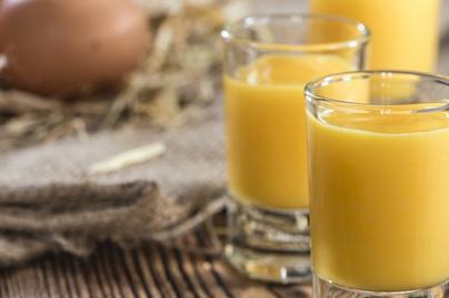 Selymes tojáslikőr házilag készítve – Nem hiányozhat az ünnepi asztalról