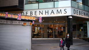 Bezár a legnagyobb brit üzletlánc