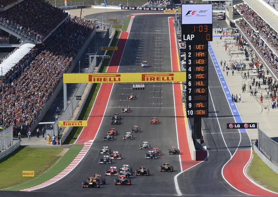 Öt év után tért vissza a Forma-1 Amerikába, a versenyzők az új texasi pályát avatták november közepén. A versenyt Lewis Hamilton nyerte, aki megelőzte Sebastian Vettelt, így az utolsó versenyre is nyílt maradt a világbajnokság, mivel 13 pontos volt a különbség a német és Alonso között.
