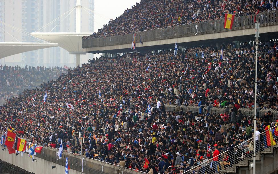 Kínában a mercedeses Nico Rosberg szerezte meg a győzelemért járó 25 pontot, Vettel az ötödik, Alonso a kilencedik lett.