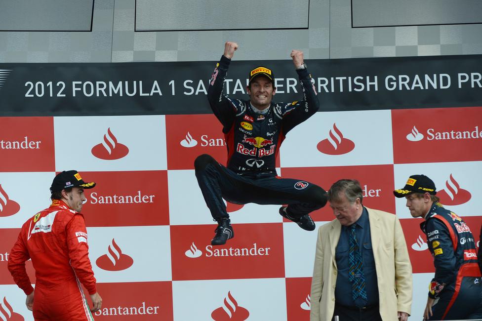A világbajnokságot vezető Alonsót 13 pontra közelítette meg a Red Bull-pilóta Mark Webber Angliában. Az ausztrál a verseny hajrájában előzte meg a ferrarist, a harmadik helyen Vettel ért célba.