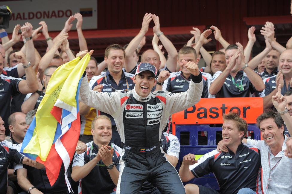 Hatalmas meglepetésre a venezuelai Pastor Maldonado nyerte meg a Spanyol Nagydíjat a Williams Renault-val. Ez volt pályafutása első győzelme. A második helyen célba ért Alonso beérte a pontversenyben Sebastian Vettelt.