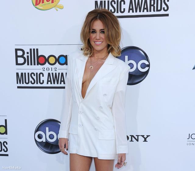 Zakó plusz mini kombóban - Miley Cyrus
