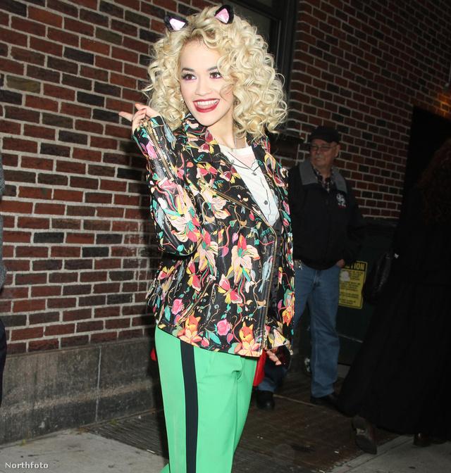 Csíkos nadrágban - Rita Ora