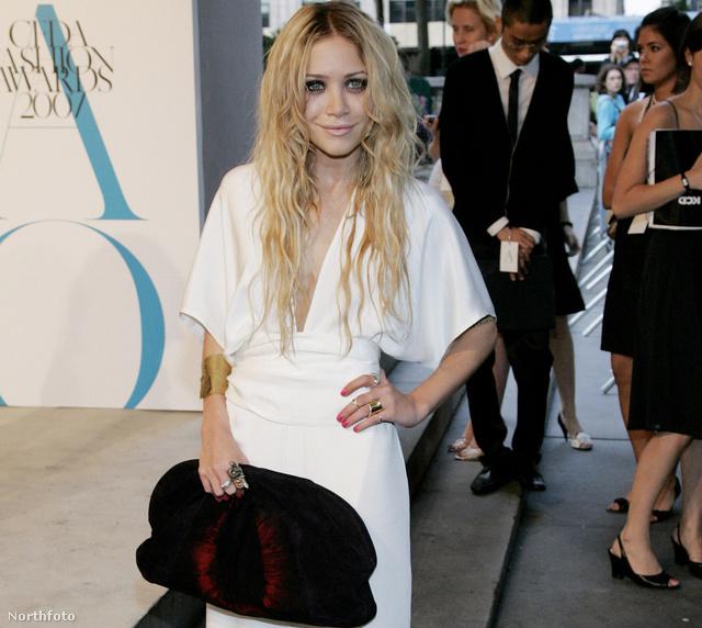 Gigaretiküllel - Mary-Kate Olsen