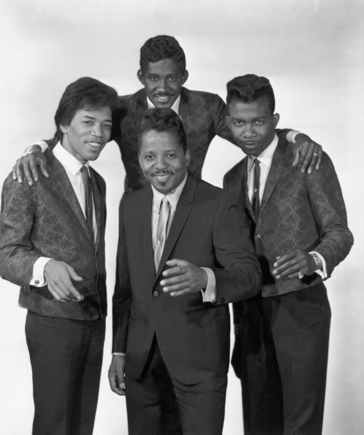 A Curtis Knight And The Squires 1965-ben. Hendrix 1964-ben költözött New Yorkba, ahol először az Isley Brothers gitárosa lett, akikkel el is készítette első igazi stúdiófelvételét. Ezután csatlakozott Little Richard kísérőzenekarához, ahonnan Ike és Tina Turnerhez került, ahonnan túl vad szólói miatt ki is rúgták. Curtis Knighttal 1965 őszétől '66 nyaráig zenélt együtt.