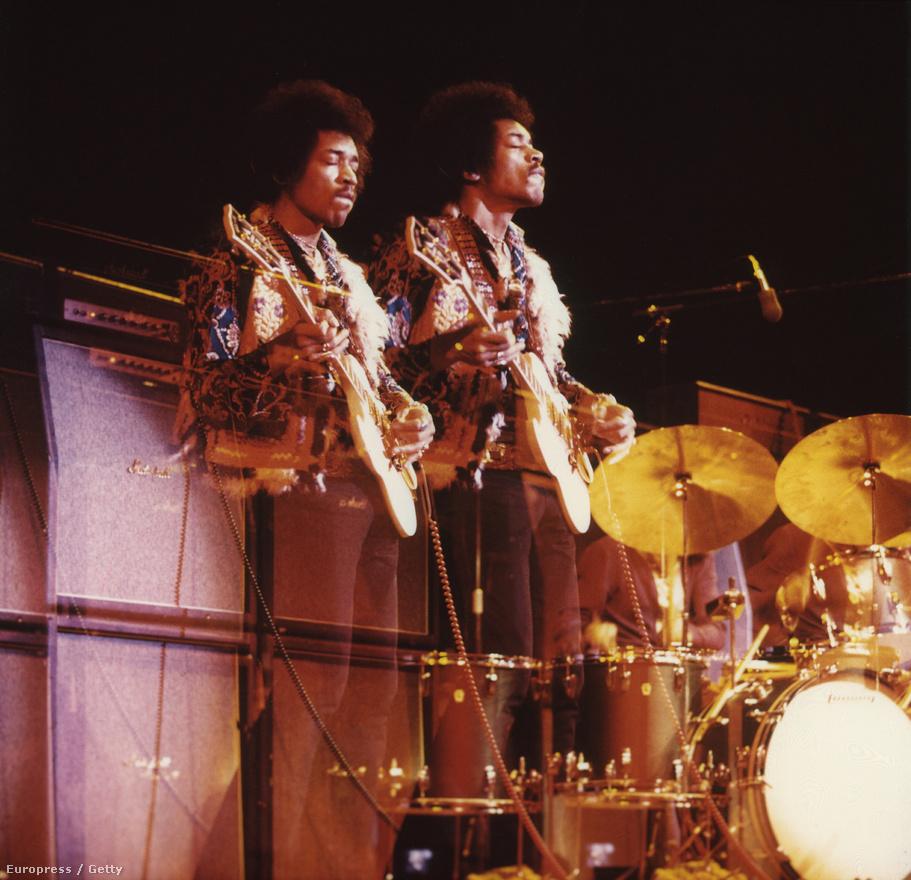 Jimi Hendrix egy 1969-es dániai koncerten.
