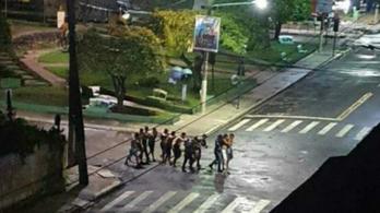 Túszejtés és utcai tűzharc a bankrablás után Brazíliában