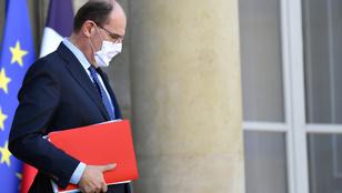 Hét nap karanténra számíthatnak a franciák, ha külföldön síelnek