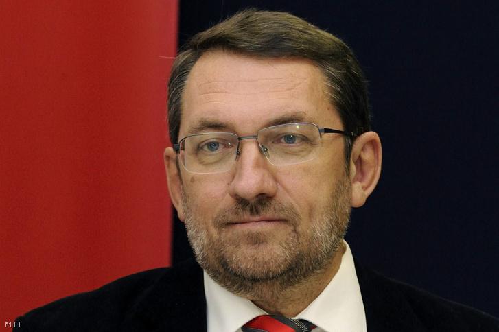 Komáromi Zoltán