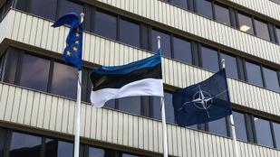 Az észt külügy elismerte, hogy egy diplomatájuk Szájerékkel bulizott