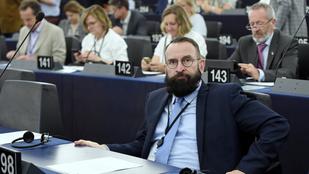 """Szájer-ügy: a """"parti"""" szervezője szerint más fideszesek is vettek már részt ilyenen"""