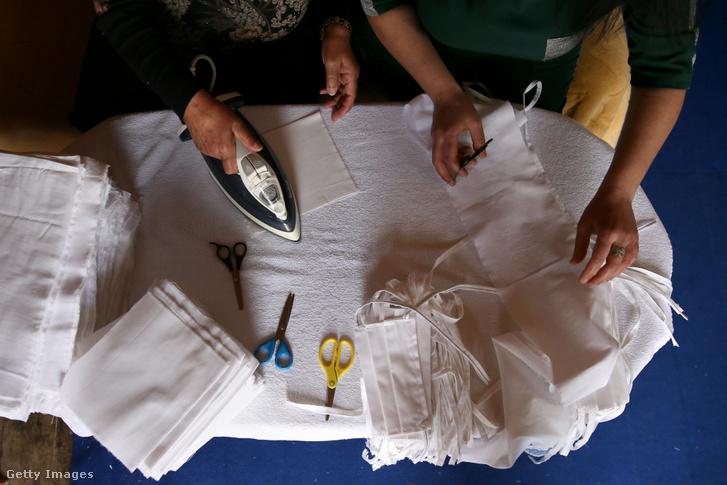 Textil maszk készítése és vasalása