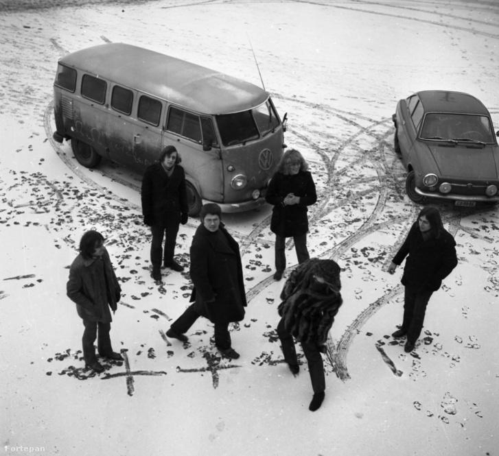 Az Omega együttes 1970-ben: Laux József, Mihály Tamás, Presser Gábor, Kóbor János, Benkő László és Molnár György.