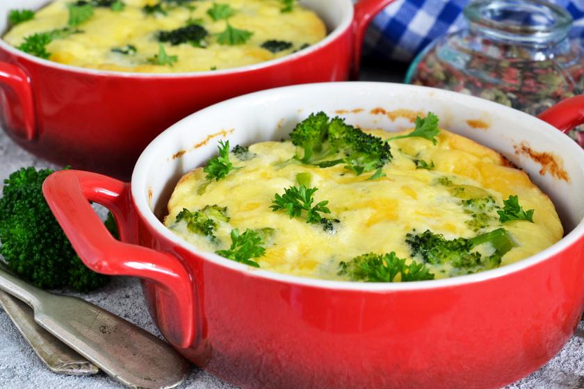 Ínyenc tepsis tészta csirkével és zöldséggel: 40 perc, és kész