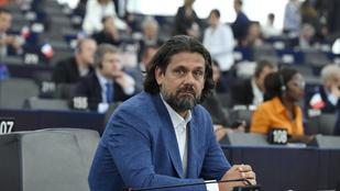 Bocsánatot kért Deutsch Tamás az Európai Néppárt frakcióvezetőjétől