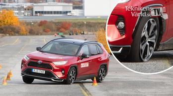 A Toyota szoftvert frissít a RAV4-esen a jávorszarvas-teszt miatt
