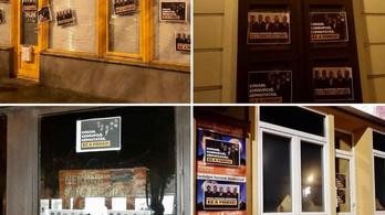 """""""Kokain, korrupció, képmutatás"""" – Kiplakátolta a Momentum a Fidesz-irodákat"""