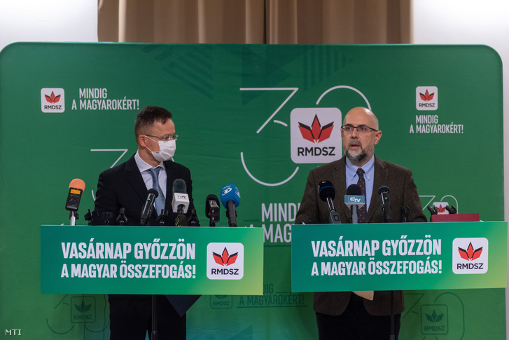 Szijjártó Péter és Kelemen Hunor RMDSZ-elnök december 2-án Marosvásárhelyen.