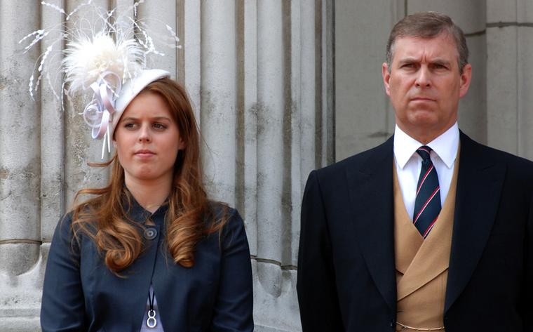 András herceg tavaly ősztől, mióta megkérdőjelezhetetlenül összefüggésbe hozták Epsteinnel, visszavonult a közfeladatok ellátásától és a közszerepléstől