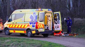 Árokba sodródott és súlyosan megsérült egy motoros Pusztaszernél