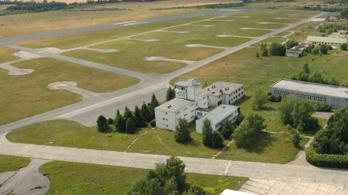 Eladó a szentkirályszabadjai repülőtér egy része