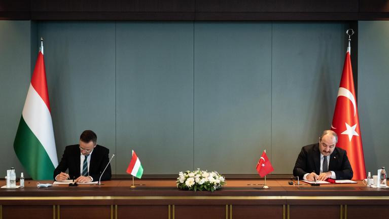 Szijjártó: Magyarország biztonsága szempontjából is fontos partner Törökország