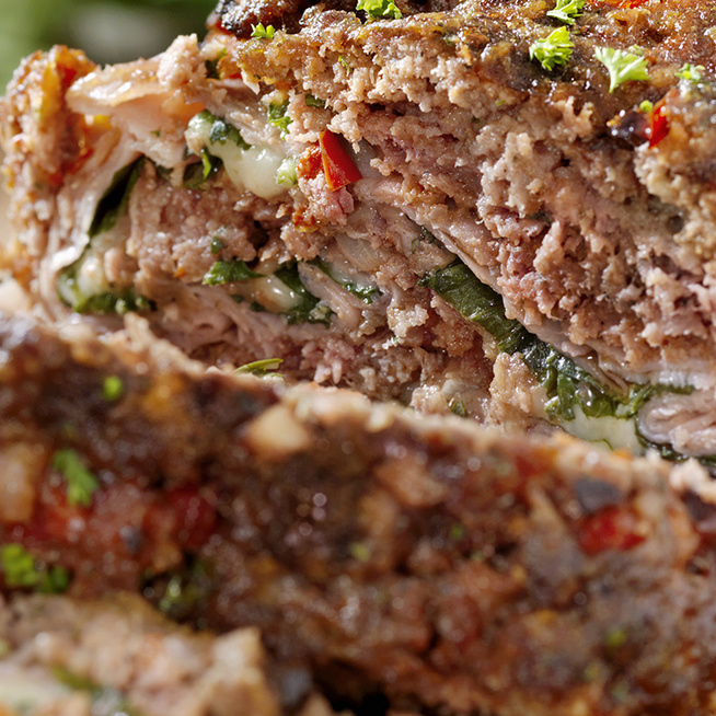 Mutatós, sajtos-sonkás húsrolád: az ízletes finomság meglepően egyszerűen készül