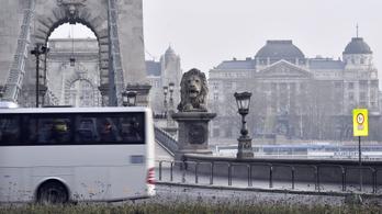 Bevételeik 70–100 százalékát elvesztették a buszcégek
