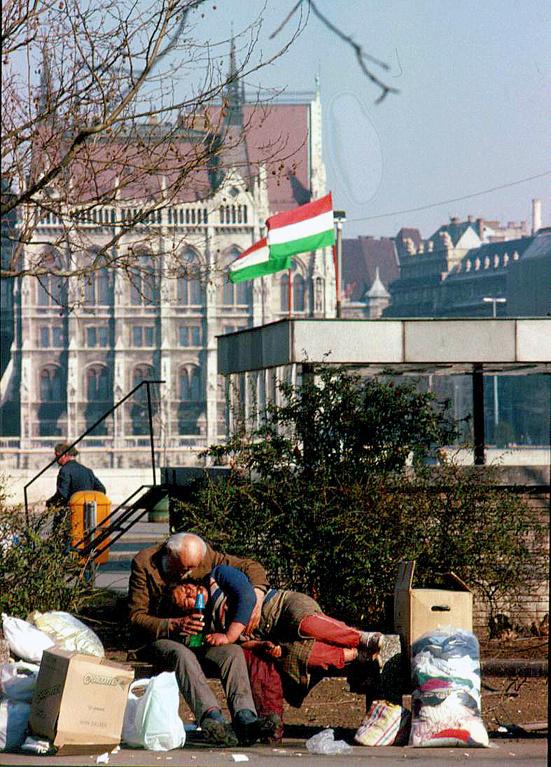 Budapest, 2000.