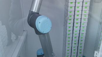 Robot végzi a koronavírustesztet Lettországban