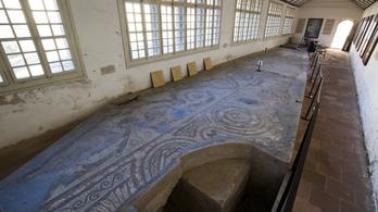 Teljesen megújult az ország legnagyobb mozaikja