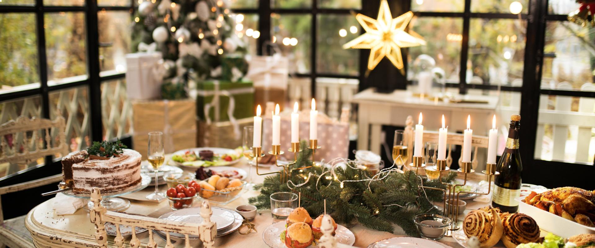 karácsonyi asztal cover