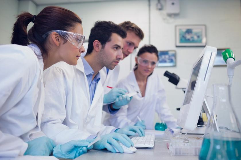 kutatok-labor-kutatas-gyogyszer