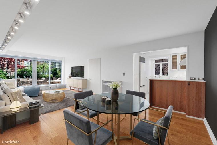 Johansson 2008-ban, még az első, Ryan Reynoldsszal kötött házassága előtt vette ezt a lakást, a Northfoto szerint 2,1 millió dollárért