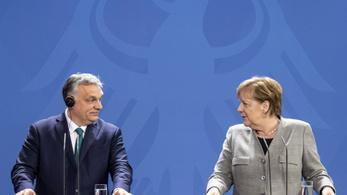 """""""Angela Merkel most is elvtelen kompromisszumot kötött a magyar diktátorral"""""""