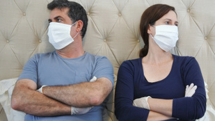 Nem ugyanazt gondoljuk a járványról a párommal. Tényleg emiatt szakítsunk?