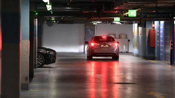 Január 11-ig marad az ingyenes parkolás, és marad az ingyenes internet is