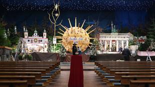 Nagyobb a koronavírus, mint a Jézuska ebben a német templomban