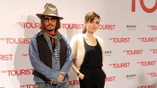 Johnny Depp Angelina Jolie-val is kavart a közös forgatásukon